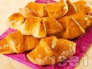 Рецепта Кифлички с локум и шоколад (с мляко и суха мая) за десерт или закуска